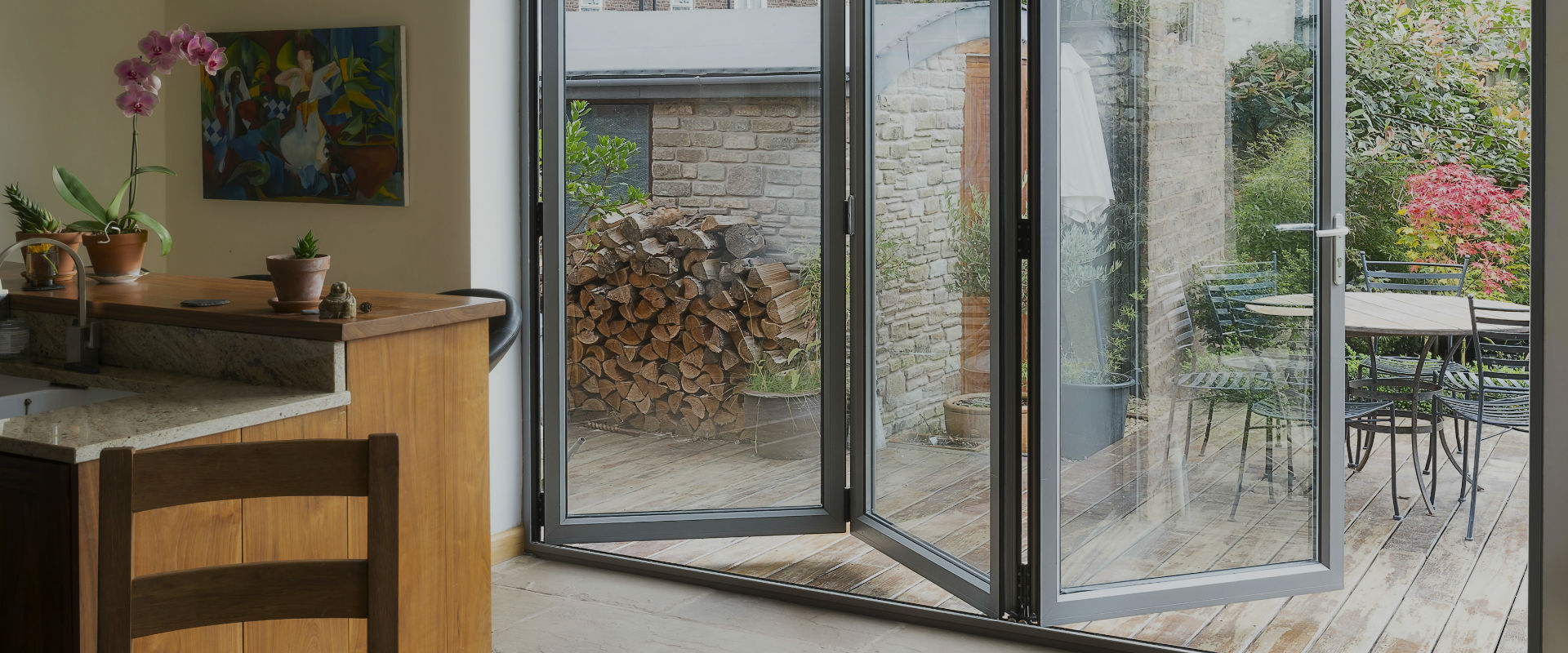 Specialise in the supply and installation of sliding aluminium doors